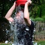 Ice bucket challenge: il fenomeno virale del web contro la SLA