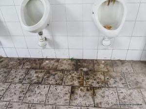 Spoleto chiusura dei bagni pubblici per riqualificazione - Porte per bagni pubblici ...
