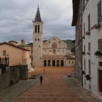 Spoleto, si accascia a terra in piazza Duomo: paura per un turista