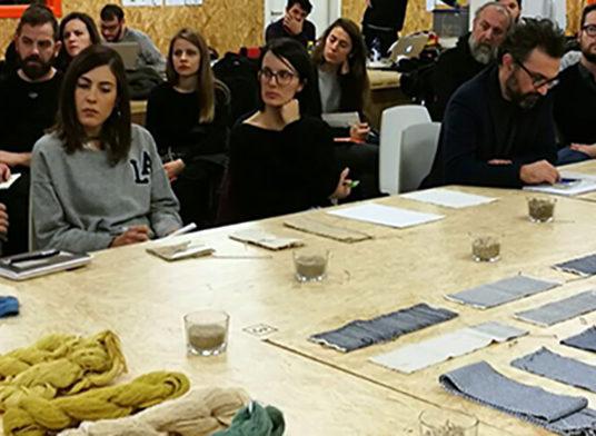 Fabric-Action_canapa_otto_idee_vincenti_produzione_design_tradizione_innovazione_Umbria
