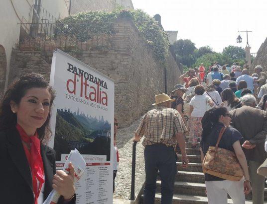 ingresso al duomo da piazza della signoria - panorama d'italia
