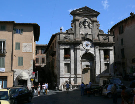 piazza_mercato-536x411