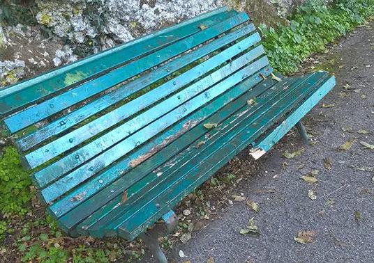 panchina-rotta